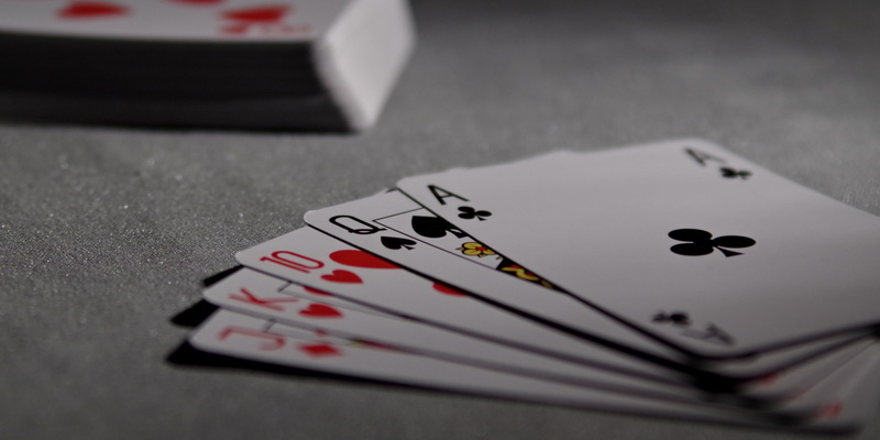 Straight combinations in 7 card draw and 5 card draw games