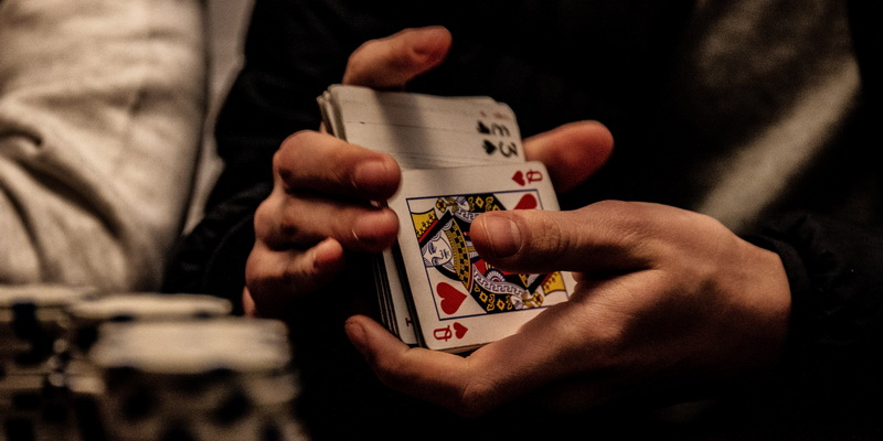 Cards in the hands - Five card draw