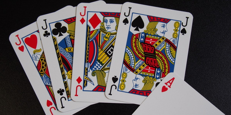 4 kings and 1 ace card