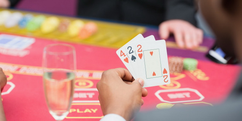 Person learn how to play chinese poker - rules