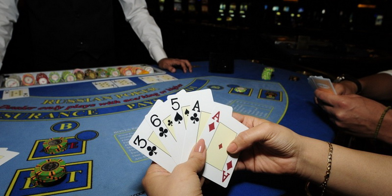 5 card in Russian poker card game